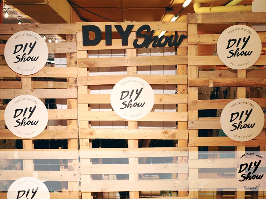 Letras de DIY Show de Bezoya