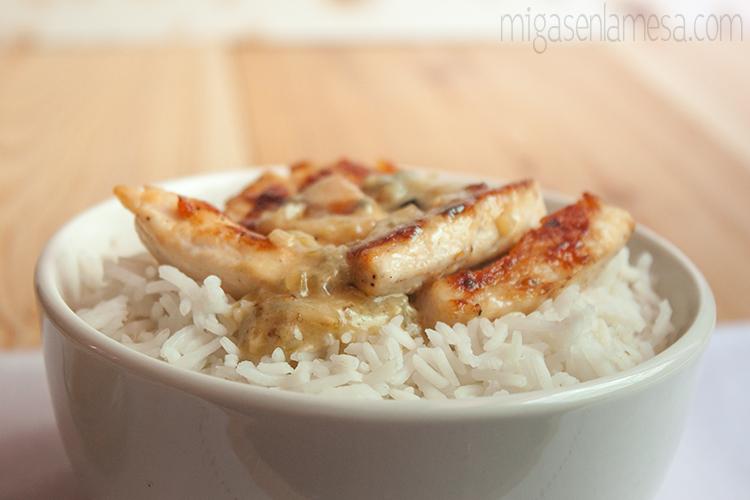 Preparación del arroz con pollo al gorgonzola