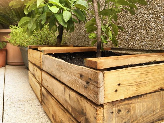 Cajas antiguas de madera excelentes como tiestos o jardineras