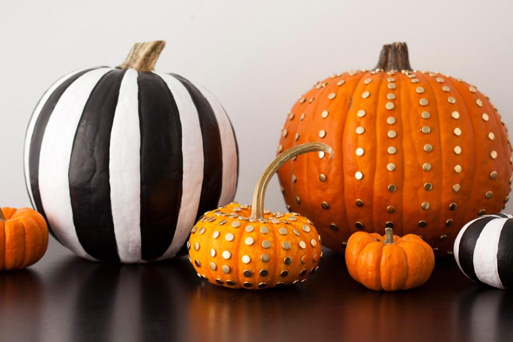 Calabazas con tachuelas para Halloween