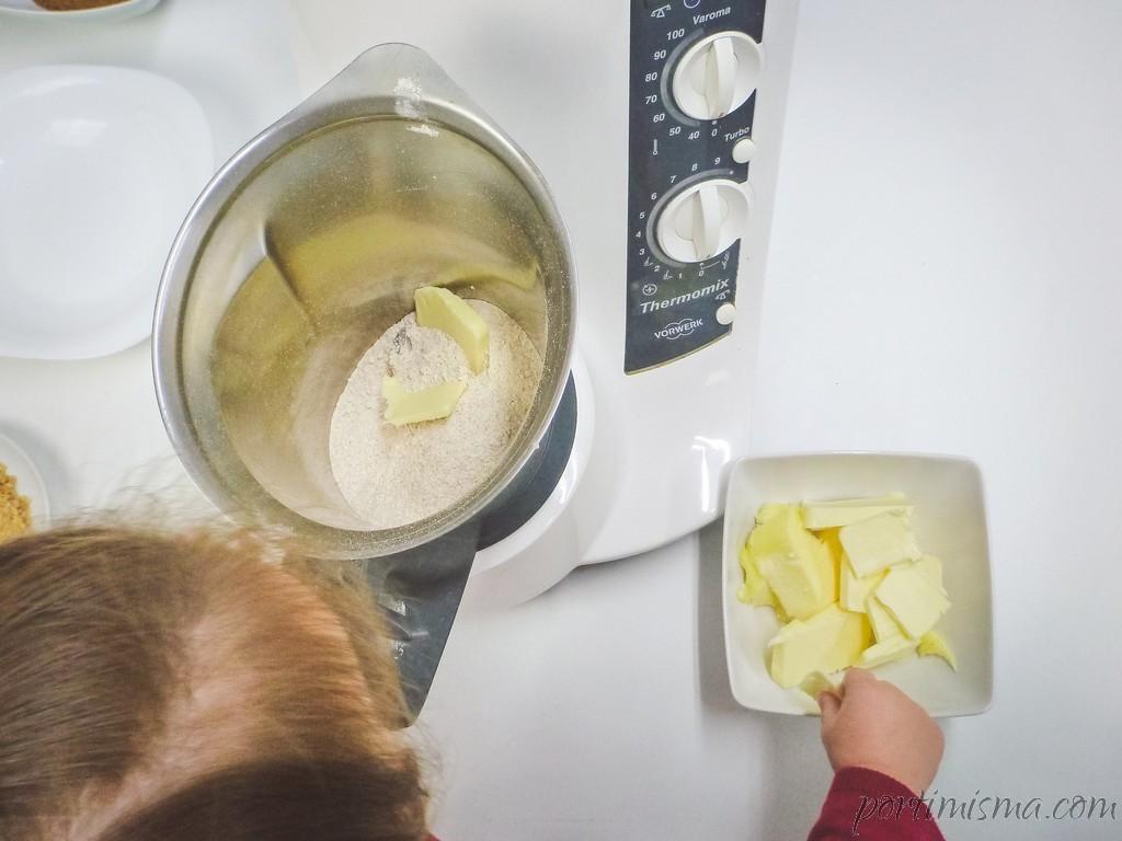 Proceso de elaboración:  echamos todos los ingredientes en la thermomix,