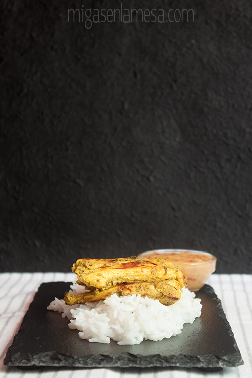 Pollo tandoori con relish de mango