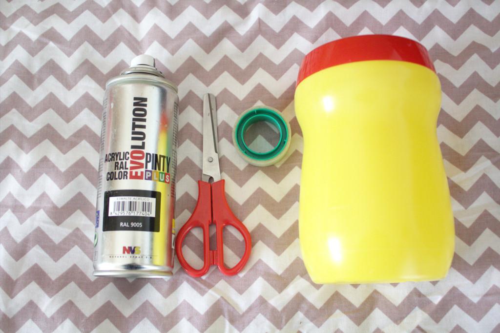 DIY de reciclaje - Portalapices DIY con bote de cola-cao - Materiales